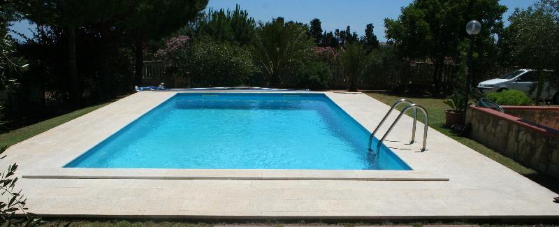 Piscina 3x6 rettangolare prefabbricata fondo piano tecnosystem piscine for Piscine 3x6 prix
